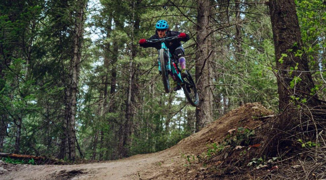 mount 7 downhill biking in golden bc